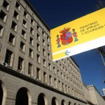 La EPA registra la mayor bajada del paro de la historia en España